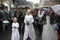 Koenigspaar-mit-Prinzessinnen-2013